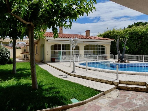 Villa with pool, Ref BN-259-V | 4 Bedrooms | 2WC