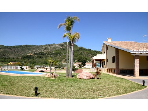 Villa › Borriol | 4 Bedrooms