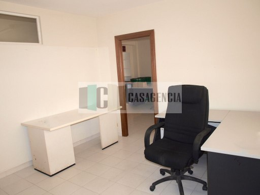 Office in Benicassim, area people  |