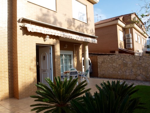 Semi-Detached House › Benicasim/Benicàssim | 4 Bedrooms | 2WC
