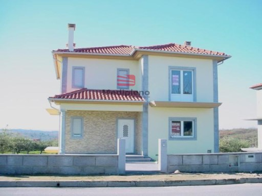 House › Pinhel | 4 Bedrooms