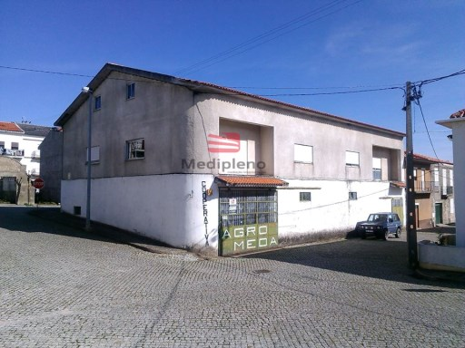 Commercial complex › Meda |