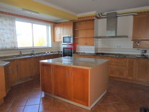 Semi-Detached House › Viseu | 4 Bedrooms | 4WC