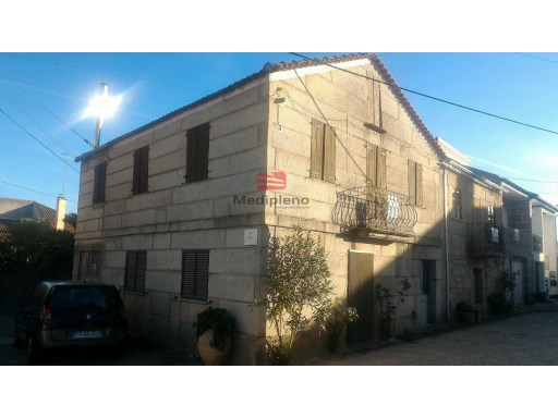 Old House › Meda | 4 Bedrooms | 2WC