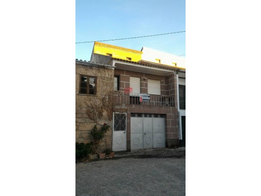 Old House › Meda | 3 Bedrooms | 1WC