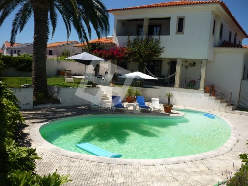 Villa in Praia da Barra | 4 Bedrooms | 4WC