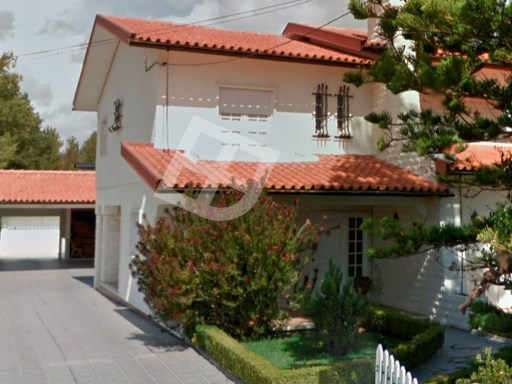 House › Anadia | 4 Bedrooms | 4WC