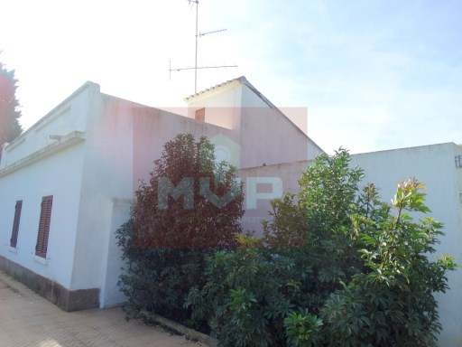 Villa with land to restore in Moncarapacho | 2 Bedrooms | 1WC