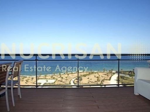 Apartment for sale in Mil Palmeras, Alicante, Costa Blanca. First line of the sea | 4 Pièces | 2WC