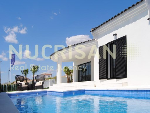 For sale Villa in La Marina. Alicante. Costa Blanca. Overlooking the sea | 3 Bedrooms | 2WC