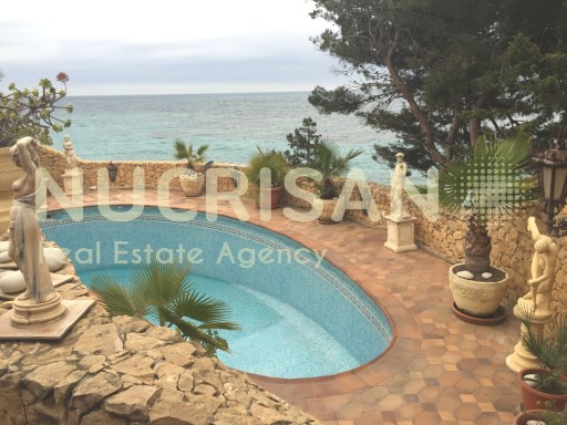 Villa in 1st line of sea and 1st line Beach in La Coveta El Campello Alicante Costa Blanca | 3 Bedrooms | 3WC