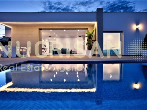 Villa 1st sea line in top of the Sol Alicante Costa Blanca | 3 Bedrooms | 2WC