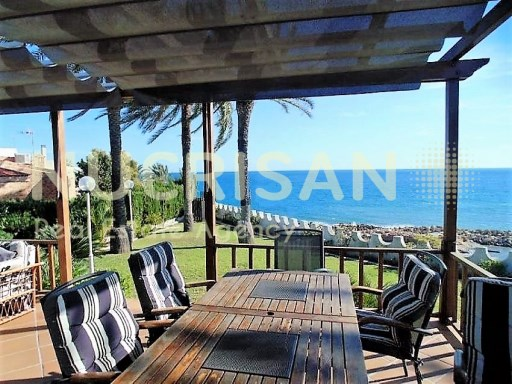 Rent private villa on Avenue of the Almadraba, Coveta Fuma, El Campello, Alicante, Costa Blanca | 5 Bedrooms | 4WC