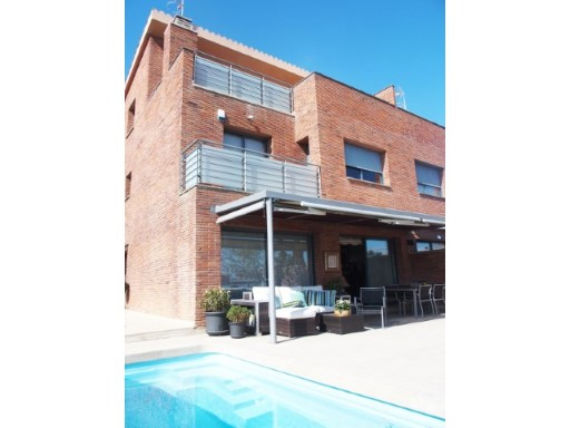 Townhouse with swimming pool 20 km from Barcelona | 5 Zimmer | 5WC