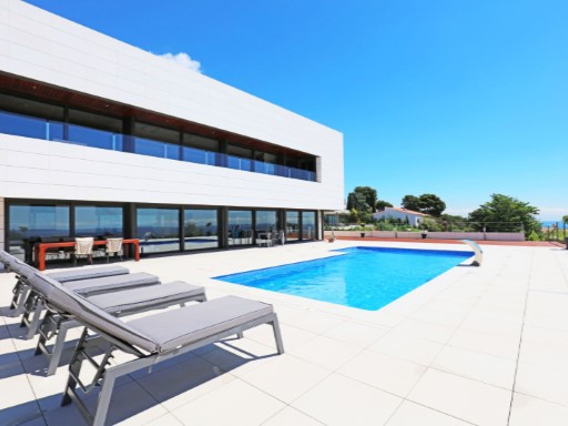 New villa with sea and mountain views in Cabrera de Mar | 4 Bedrooms | 5WC