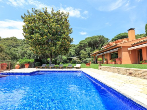 Villa with sea and mountain views in Sant Vicenç de Montalt | 5 Bedrooms | 5WC