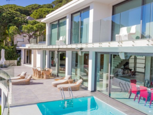 New villa with spectacular sea views in Cabrils | 5 Bedrooms | 5WC