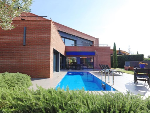 Villa with sea views in Caldes d´Estrac, 40 km from Barcelona | 4 Bedrooms | 4WC