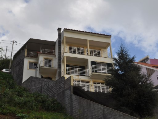 House › Ribeira Brava | 3 Bedrooms | 2WC