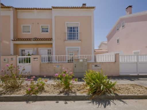 VILLA CLOSE TO THE BEACH 'PRAIA DA CONSOLAÇÃO' | 3 Bedrooms | 3WC