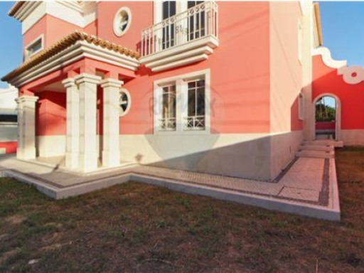 House › Seixal | 7 Bedrooms