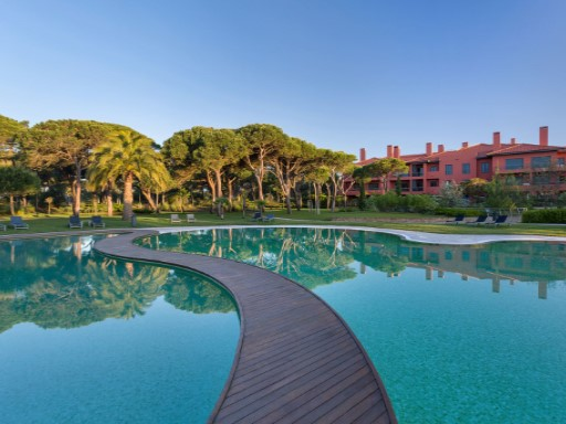 Luxury villas located in a 5-star resort, in the heart of Cascais,Lisbon |