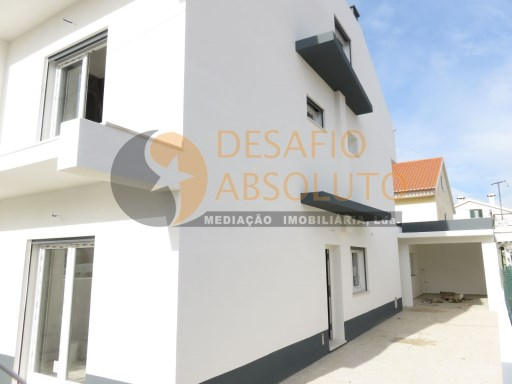 Semi-Detached House › Sesimbra | 3 Bedrooms | 4WC