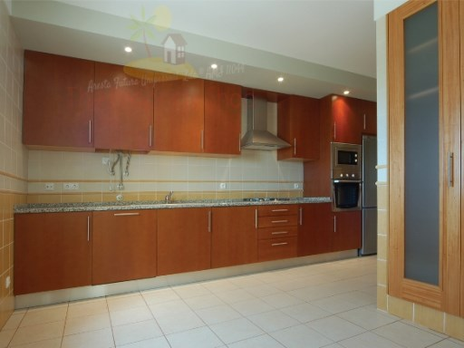 3 Bedroom Apartment with Excellent Finishings | 3 Bedrooms | 3WC