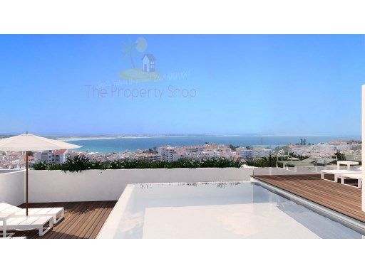 Apartment T3 with Privileged Location and Unique views of the Bay of Lagos | 3 Bedrooms | 3WC