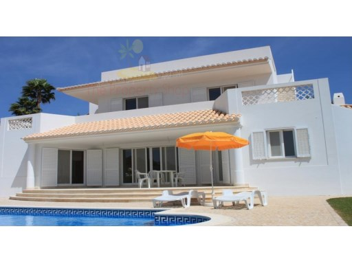 Villa with pool in Albufeira | 2 Bedrooms | 3WC