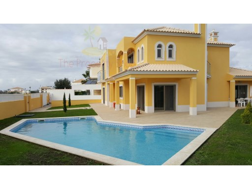 4 Bedroom Villa in Vale de Ursa, Albufeira | 4 Bedrooms | 5WC