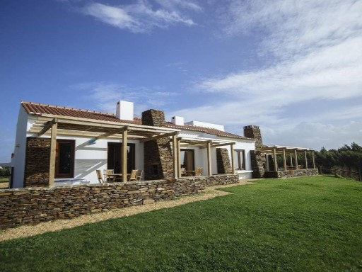 Farmland - Ilha do Pessegueiro | 5 Bedrooms + 2 Interior Bedrooms