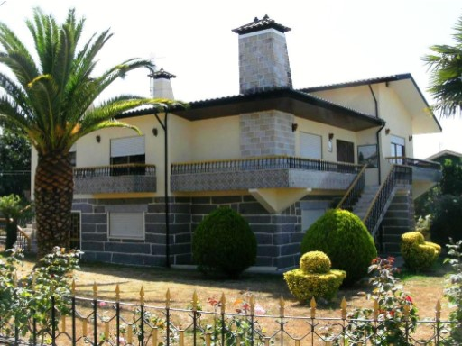 House › Vila Nova de Famalicão | 4 Bedrooms