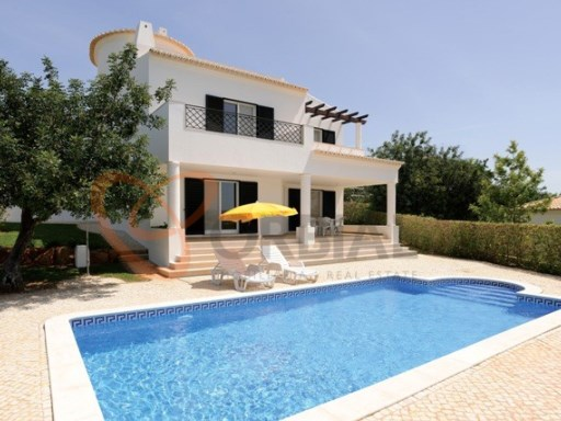Marvelous 3 bedroom villa for sale in Albufeira | 3 Habitaciones | 2WC