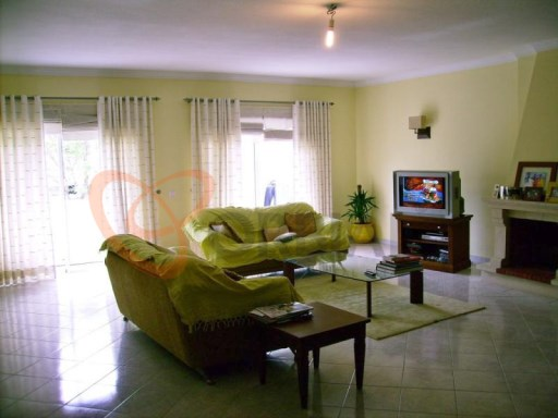 Excellent 2 bedroom apartment for sale in the center of Albufeira | 3 Habitaciones | 2WC