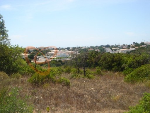 Land for sale in Lagoa, Algarve. |