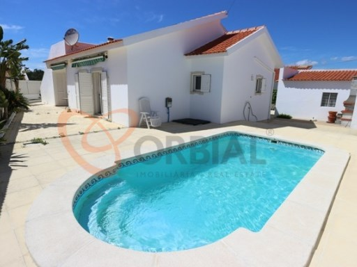 Villa for sale in Albufeira with 3 rooms near the beaches | 3 Bedrooms | 2WC