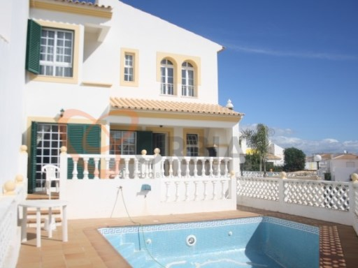 Villa for sale with 3 bedrooms in Albufeira | 3 Bedrooms | 3WC