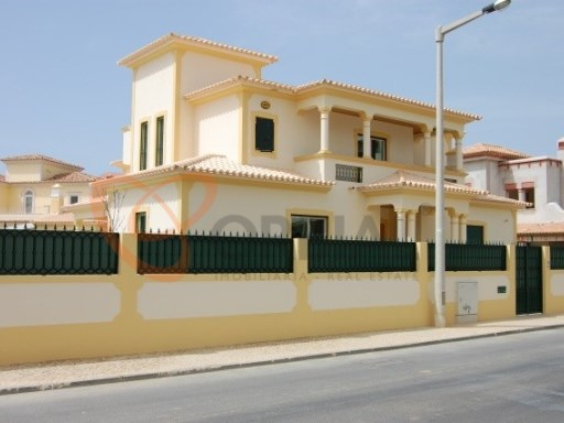 Fantastic 3 bedroom villa for sale in Albufeira | 3 Bedrooms | 3WC