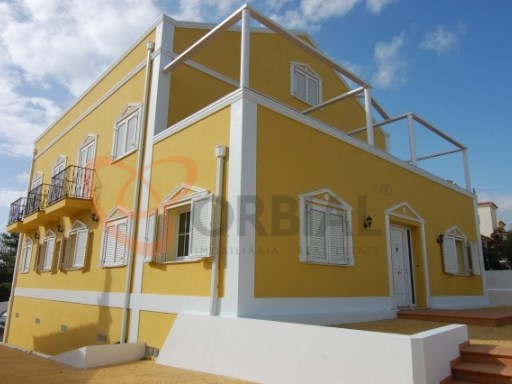 Great House V9 for sale in Boliqueime.  | 9 Bedrooms | 1WC