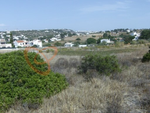 Rustic land for sale in Albufeira. |