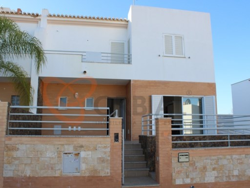 Villa for sale with 3 bedrooms and swimming pool in Albufeira. | 3 Bedrooms | 4WC