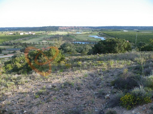 Building plot for semi-detached house in the municipality of Silves |