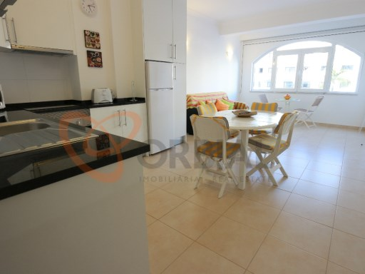 Excellent apartment T1 +1 renovated for sale in the Centre of Albufeira near the beaches | 1 Bedroom + 1 Interior Bedroom | 2WC
