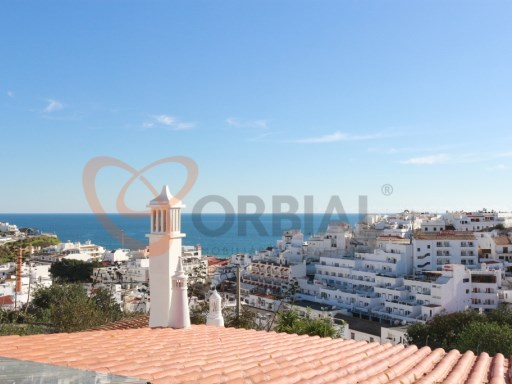 Villa for sale with views over the old town of Albufeira and Sea   | 7 Bedrooms | 3WC
