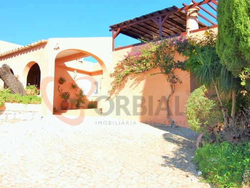 Fantastic 3 bedroom villa with pool in Silves, Algarve, Portugal | 3 Bedrooms | 4WC
