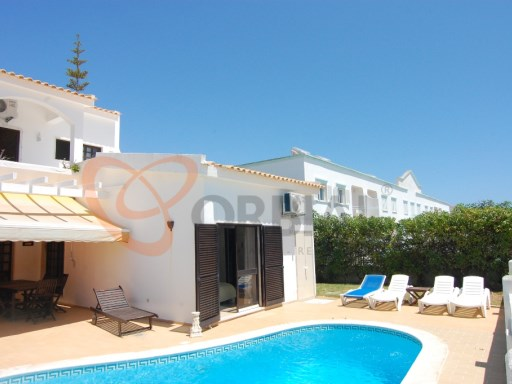 4 bedroom villa with swimming pool for sale in Galé, Albufeira. | 4 Bedrooms | 4WC