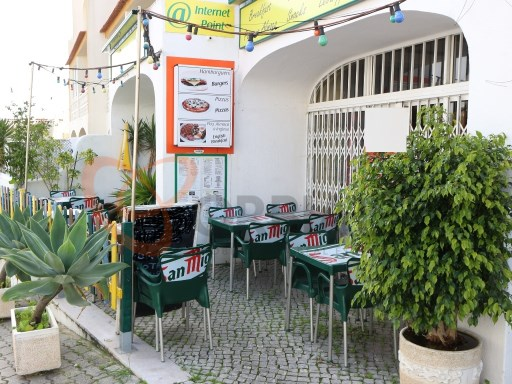 Snack Bar for sale in Albufeira. |