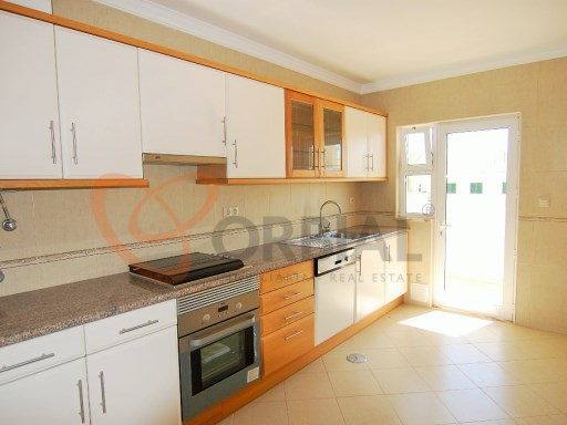Apartment T1+1 NEW for sale in armaçao Pera, Algarve | 2 Bedrooms | 2WC