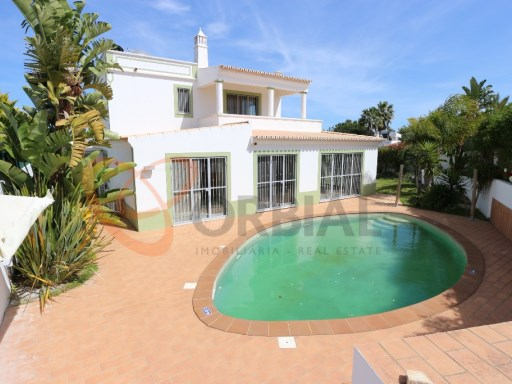 Excellent 3 bedroom villa with swimming pool for sale in Albufeira  | 3 Bedrooms | 5WC